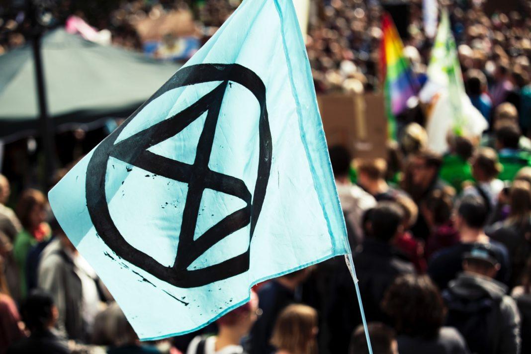 A l'image du mouvement Extinction Rebellion (XR), les autorités bruxelloises imposent une écologie affranchie des principes démocratiques!